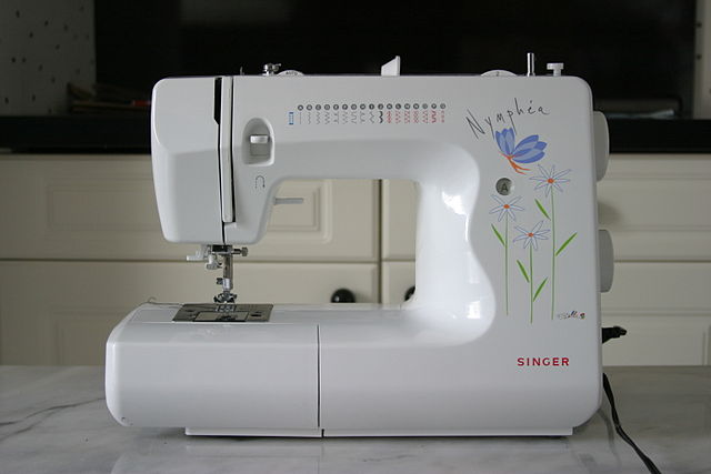 Item-3D printing filament 640px-Sewing machine singer nymphe a 3815A.jpeg